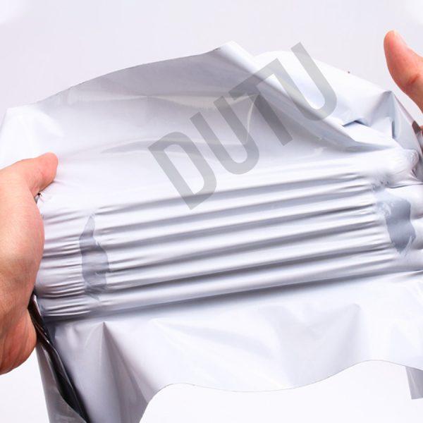 túi đóng gói hàng niêm phong màu trắng